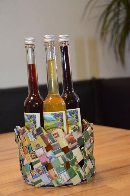Flaschenhalter aus Zeitungspapier